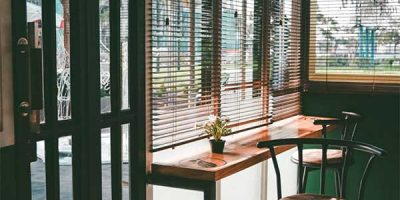 cleaning-wood-blinds